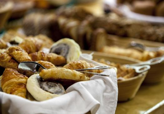Für einen optimalen Start in den Tag bieten wir ein abwechslungsreiches Frühstücksbuffet