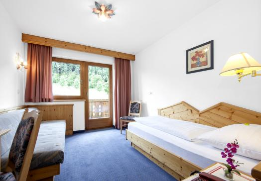 View single room with balcony in the Hotel Tirolerhof