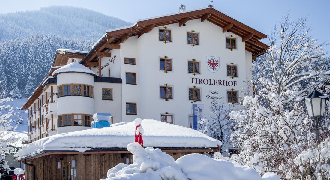 Der Tirolerhof unter einer Schneedecke