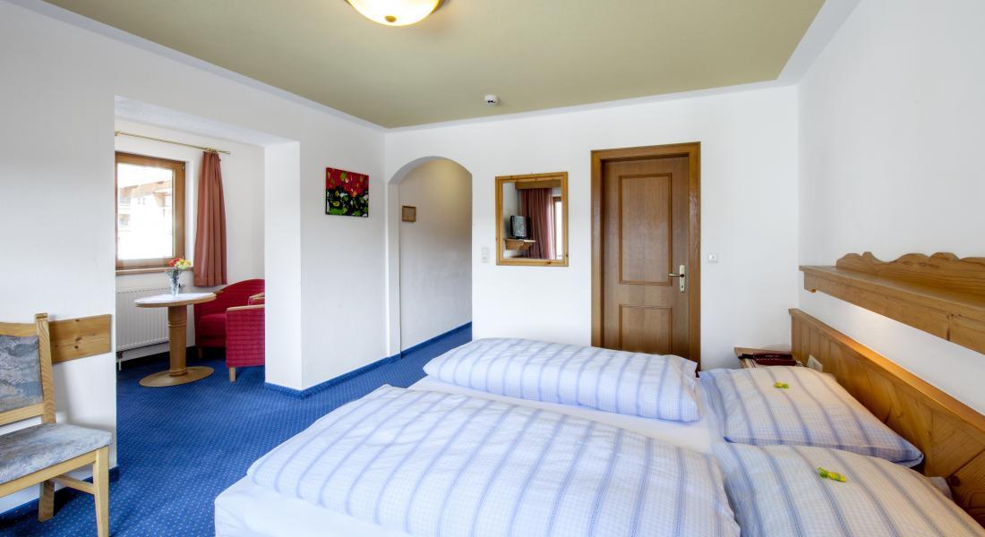 Ansicht Komfortzimmer Deluxe Abendsonne im Landhotel Tirolerhof