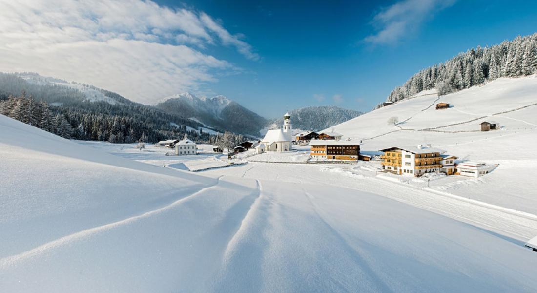 Das Bergdorf Thierbach im Wintermantel